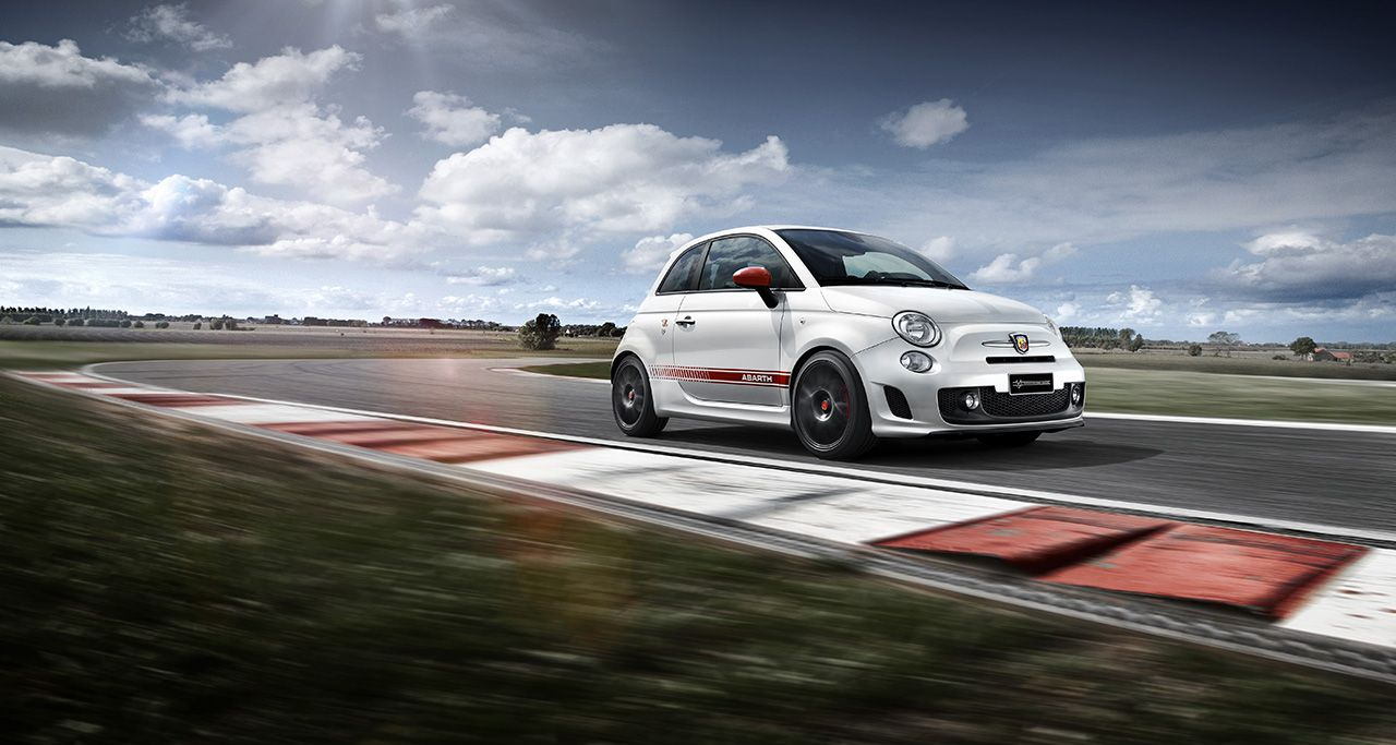 Abarth viert Yamaha MotoGP-titels met 595 Yamaha Factory Racing Edition