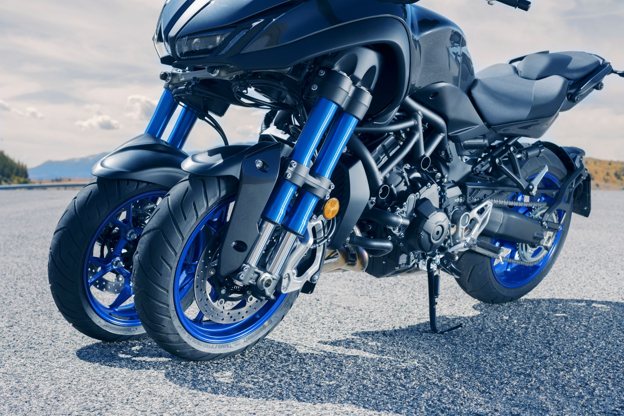 De nieuwe Yamaha NIKEN: Ride the Revolution
