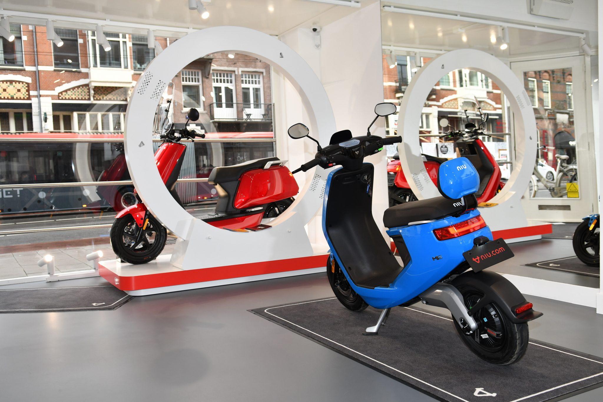 NIU opent eerste flagship store in Amsterdam