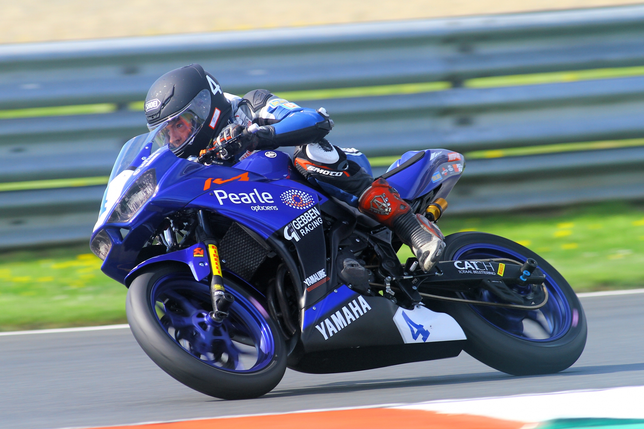 Pearle Opticiens partner van de Yamaha R3 Cup