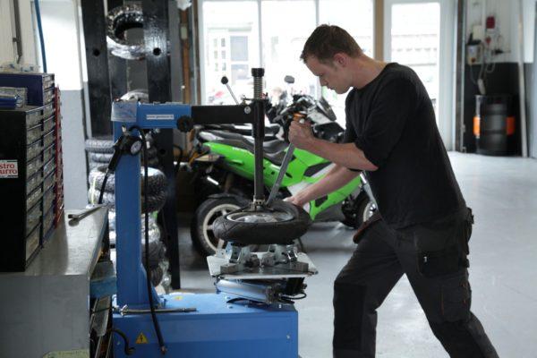 scootermonteur 2wheels rijnsburg