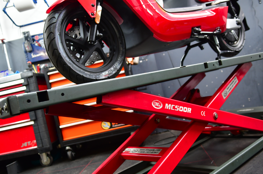VACATURE SCOOTER MONTEUR – Amsterdam's Scootercity
