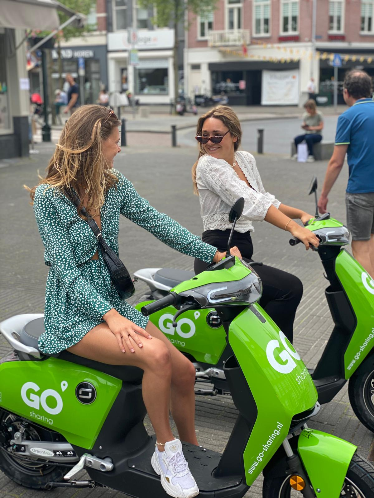 GO Sharing deelscooters vanaf deze week ook in Vlaardingen en Schiedam