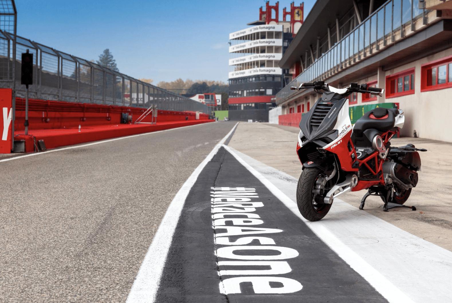 Updates Italjet Dragster en leverancier circuit Imola